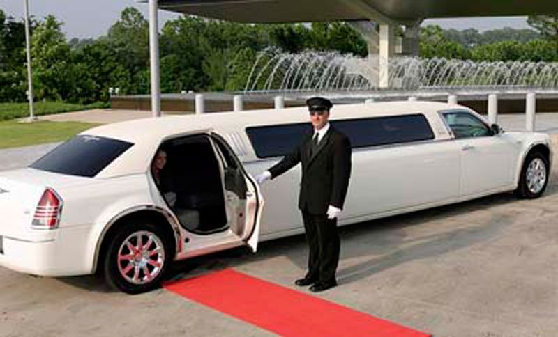 Safety Comfort And Punctual Service Are Bostonairportcab S Three Most Important Priorities We Gives Upto 20 Disc Limousine Car Limousine Limousine Rental