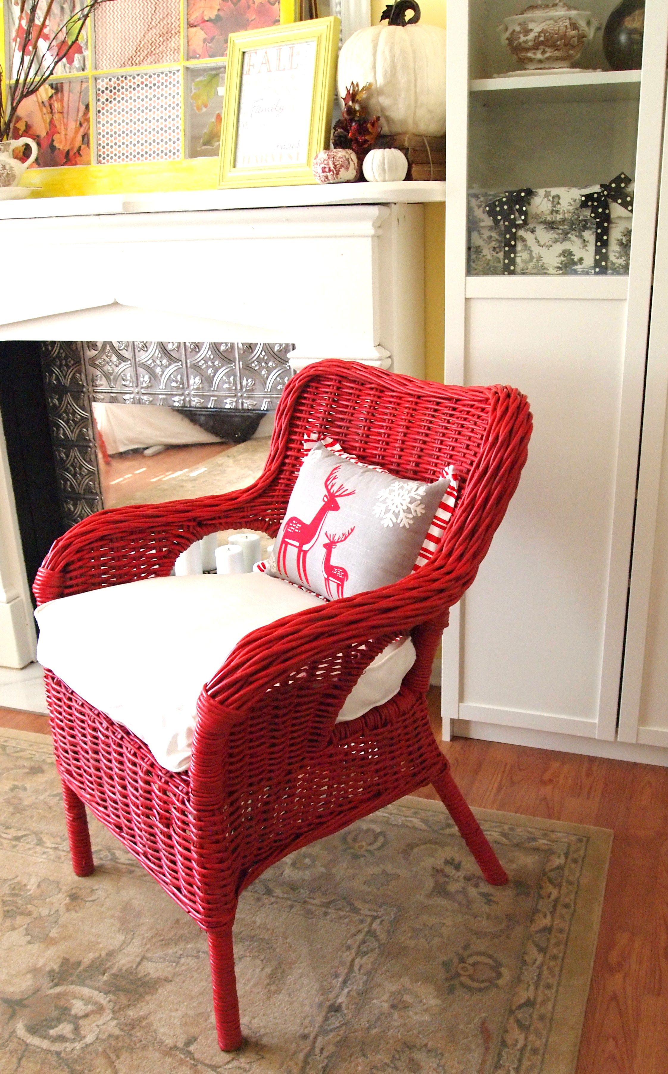 Exceptionnel Love The Red Chair   Could Paint Old White Wicker