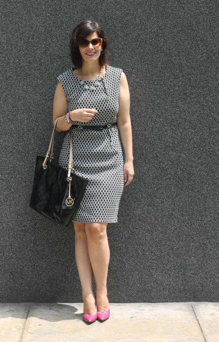 f18afc7f496c9 DIVINA EJECUTIVA  Mis Looks - Vestido Blanco   Negro