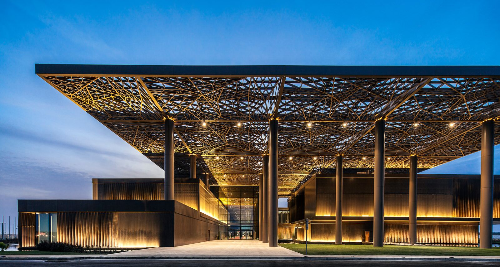 The winners of the 2015 LEAF Awards. This photo shows the Dakar Congress Center by Tabanlioglu Architects Melkan Gursel & Murat Tabanlioglu.