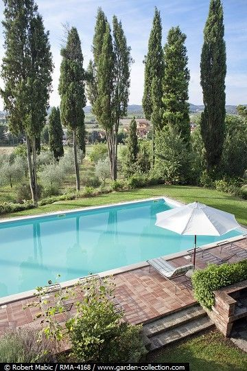 Caption Relaxing Area On Paved Terrace At The Swimming Pool Villa Il Poggio Sinalunga Photographer Robert Mabic Credit