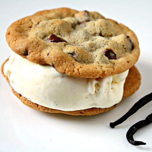 Ice Cream Sandwich #food #ice #cream www.loveitsomuch.com