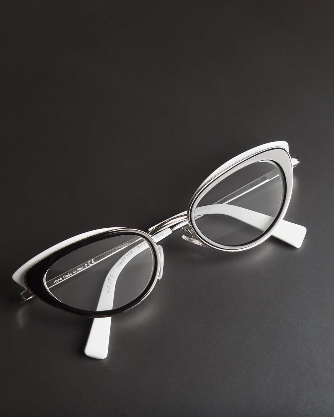 MARBLE ONYX  WHITE GLASSES 1 PAIR