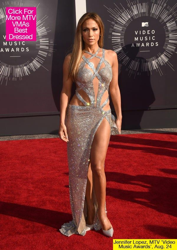 Jennifer Lopez Shows Off Tons Of Skin In Her MTV VMAs Dress ...