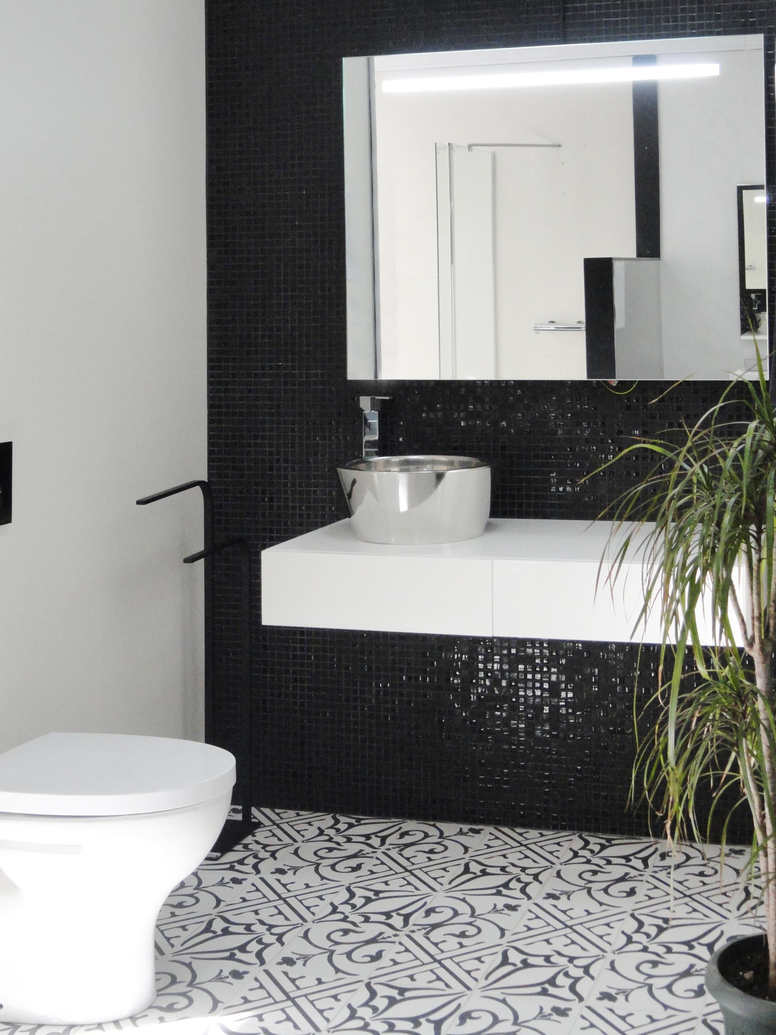 Badezimmer dekor grau décor classic noir  fusion  ceramic tiles from neocim and