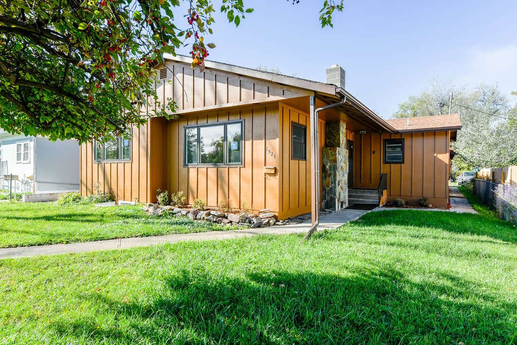 CENTRALLY LOCATED HOME IN SPEARFISH! Newly remodeled 5