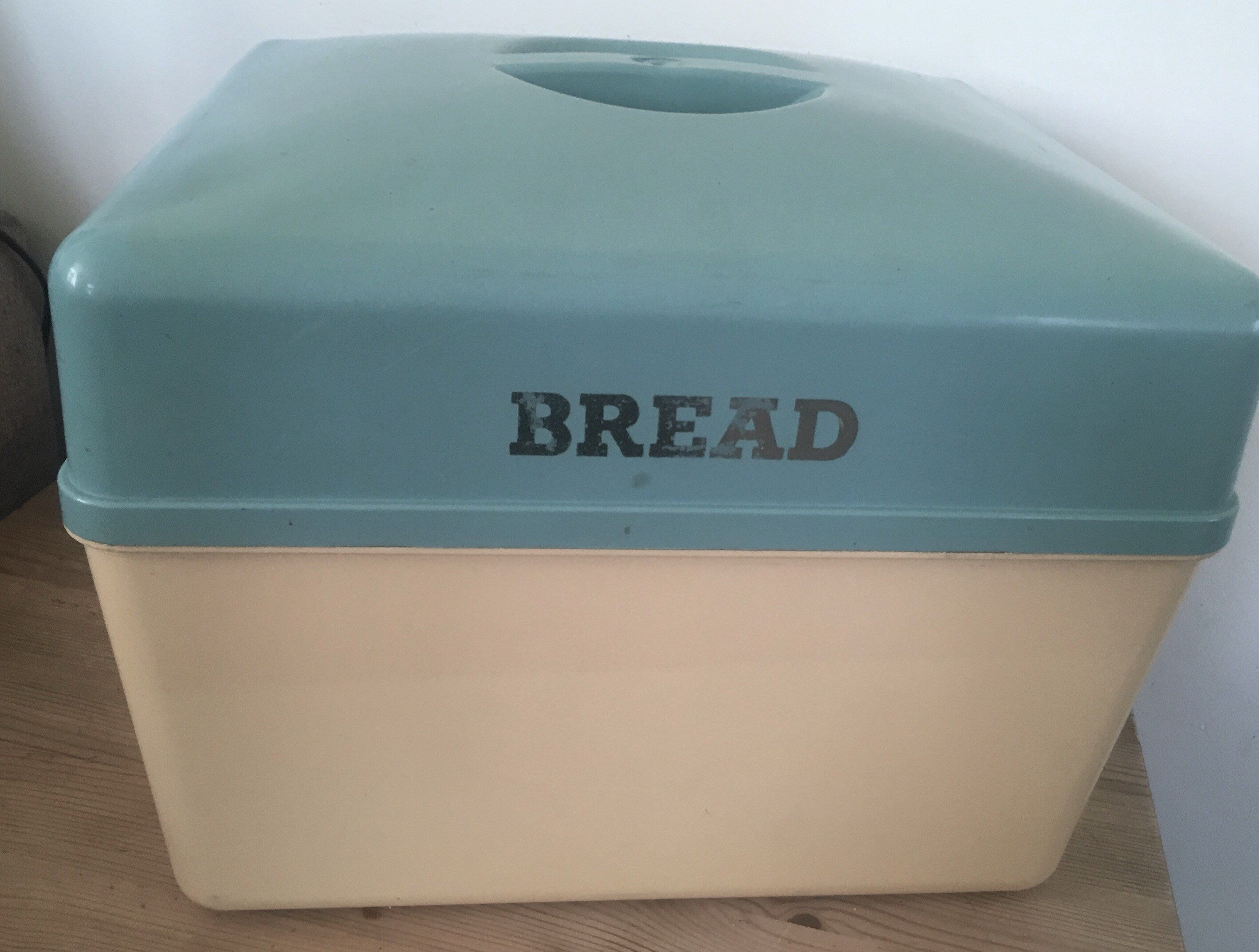 Bread bin, 1960s kitchen, 1960s decor, Bread store, kitchen storage ...