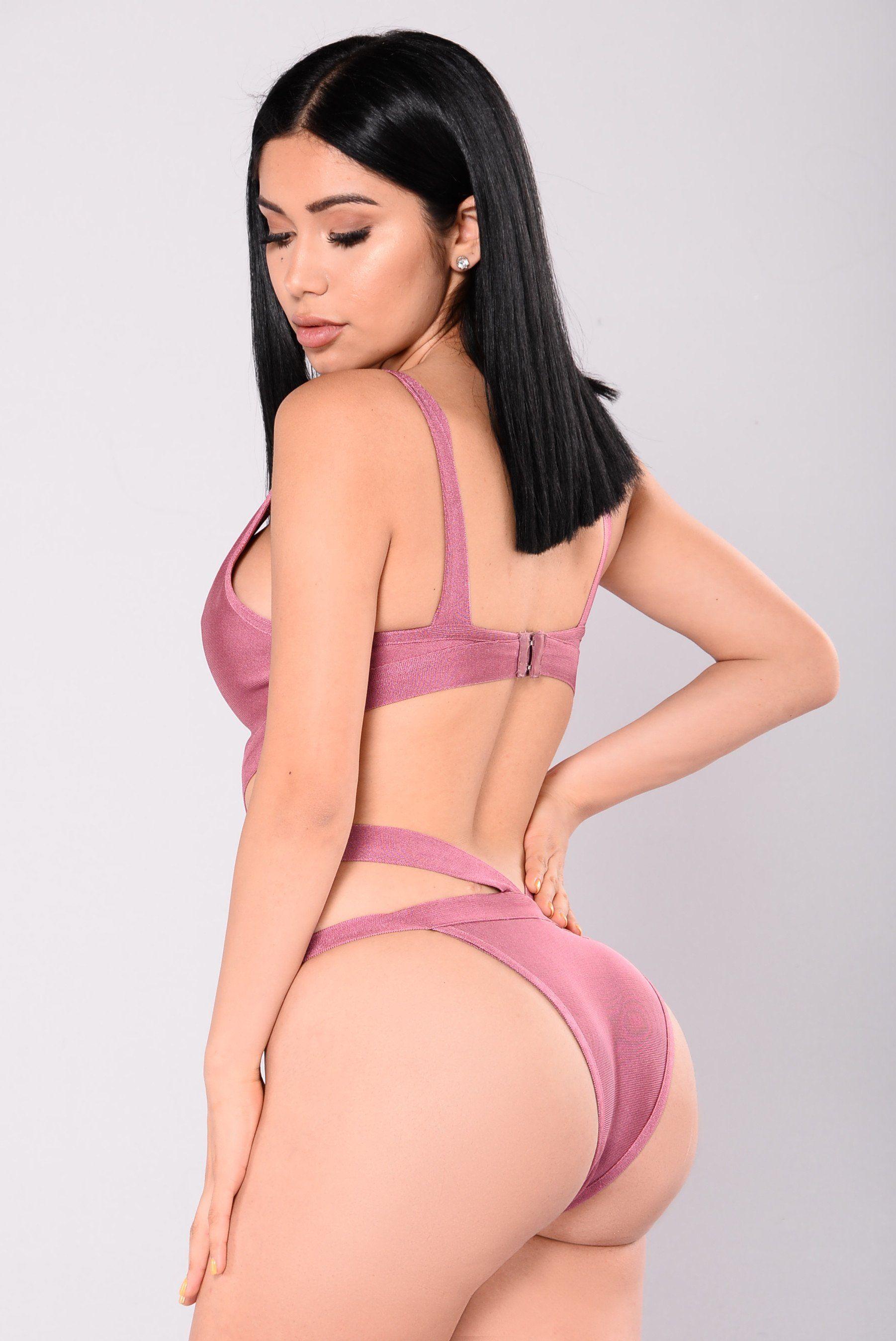 Janet Guzman Nude Photos 25