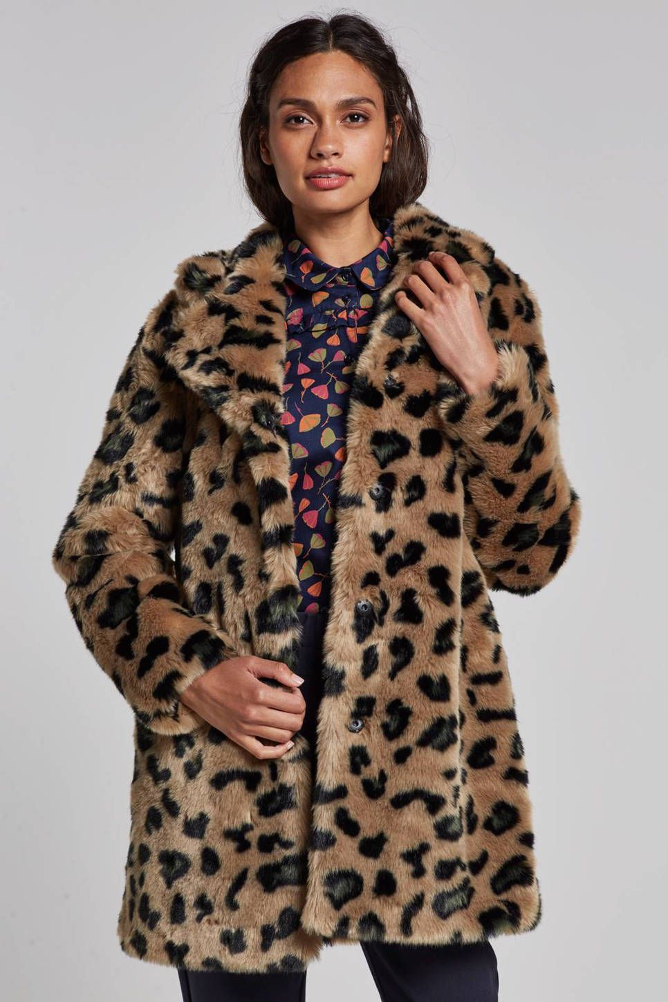 Winterjas 2019 Trend Dames.Chrissi Jas In Een Panterprint In 2019 Trend Dierenprint Coat