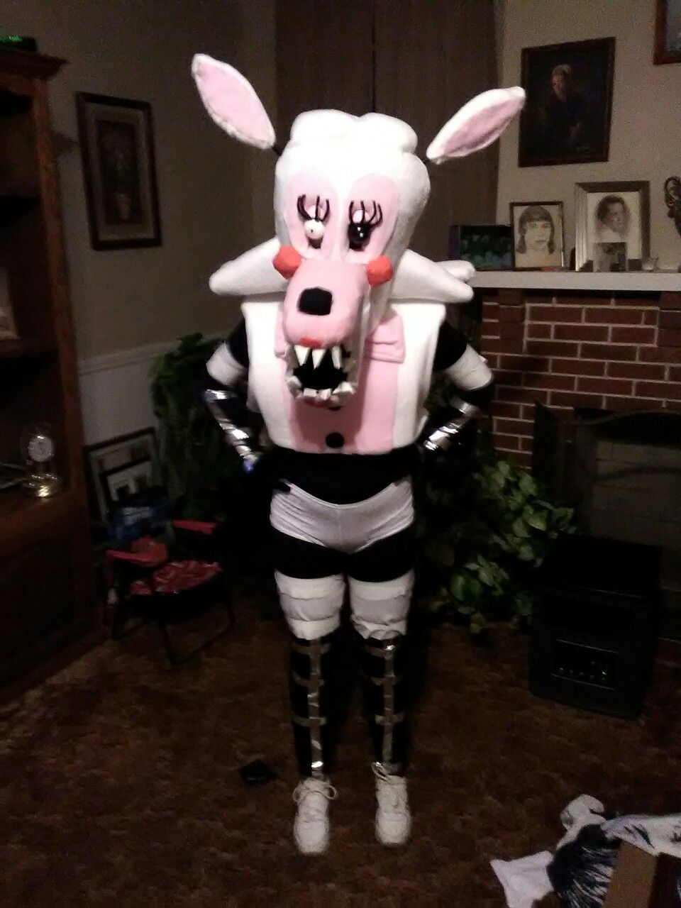 mangle costume I made. #mangle #fnaf #fivenightsatfreddys ...