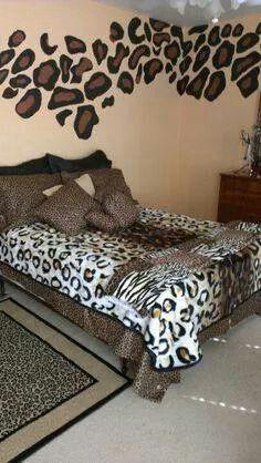 Pin By Marcela Salinas On Home Zebra Print Bedroom Animal Print Bedroom Leopard Bedroom Decor