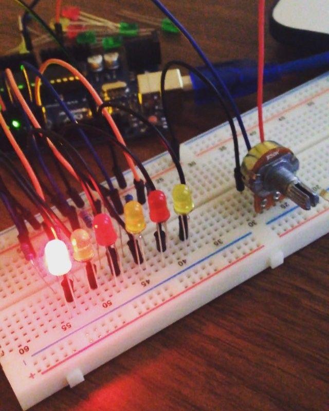 Circuito Oregon : Control de luces #arduino #potenciometro #led #firstcircuit