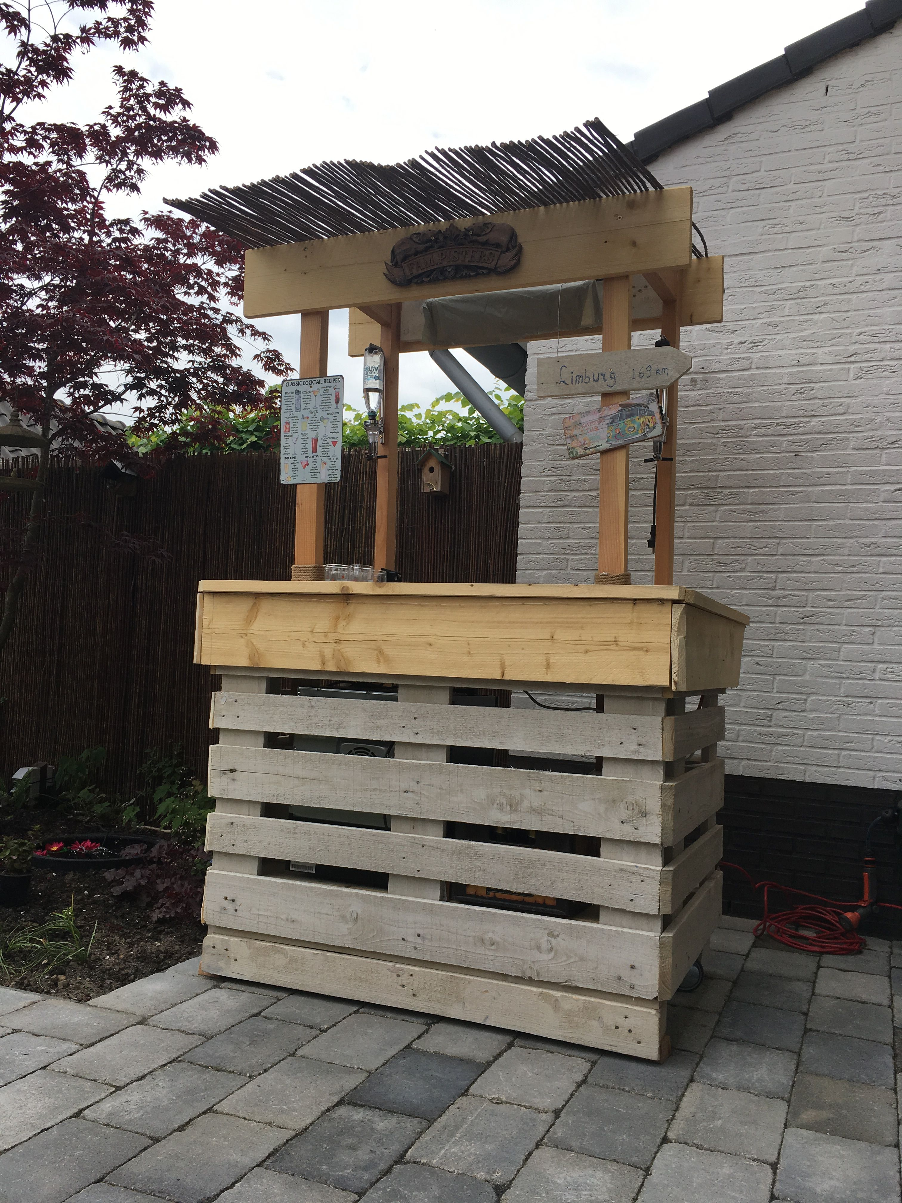Made with two pallets and some scaffolding wood. | Diy ...