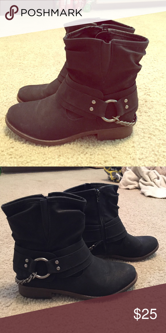 Maurices Black Booties Like new size 7. Great condition. Maurices Shoes Ankle Boots & Booties