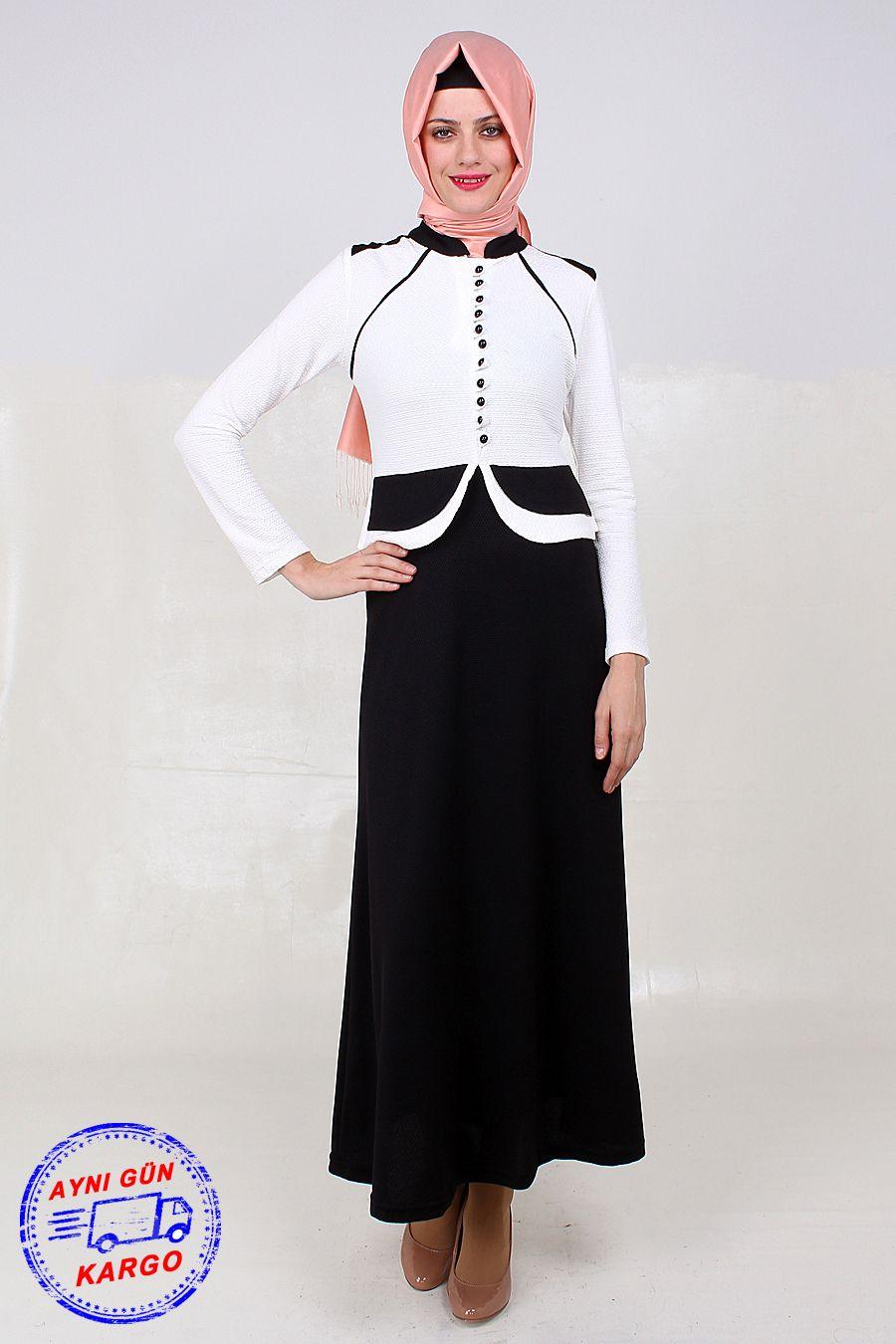 c31b028bbd610 Önü Boyunca Düğmeli Tesettür Elbise Modeli Siyah-Beyaz Petek Örme Kumaştan  Üretilmiş Olup 140 cm