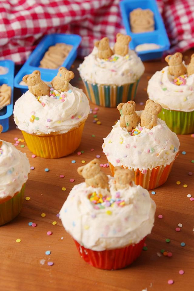If you're reading this article, there's a strong chance this recipe reminded you of childhood. Each bite of Dunkaroo Cupcakes takes you back in time, and tasting the yummy nostalgia is pure joy. This decadent dessert is full of delicious flavors and textures that will satisfy ANYONE'S sweet tooth!
