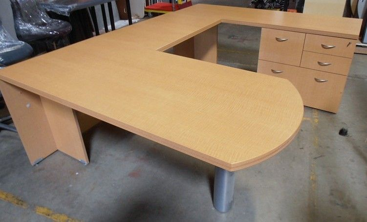 Used Magna Design Series Fifty Bullet Top Desk This Series Fifty Desk Is Ideal For Multi Function Private Offices Get A Quote To Desk Design Office Furniture