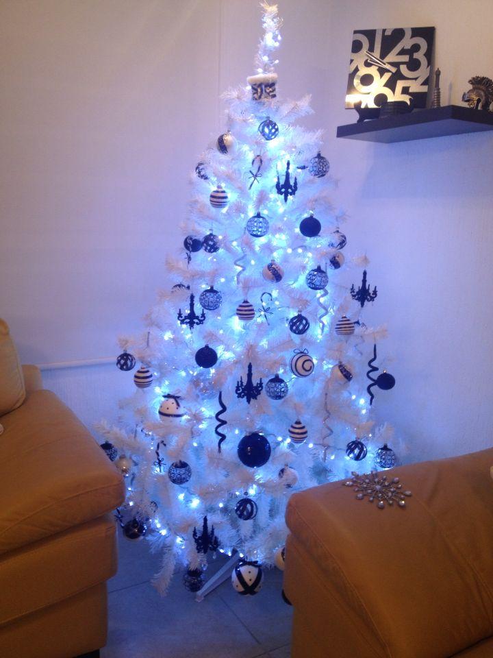 Nuestro rbol de navidad blanco y negro navidad - Decorar arbol de navidad blanco ...