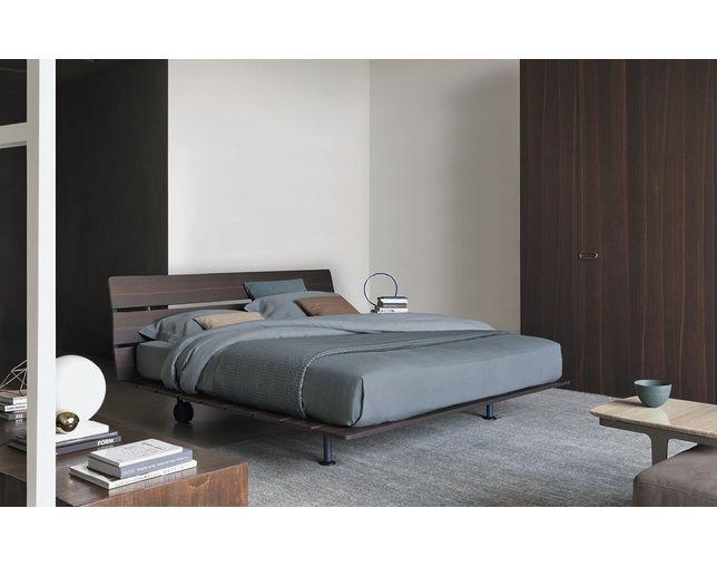 【正規情報】フルー(Flou) Designer BedシリーズのTadao(タダオ)です。ヴィコ・マジストレッティ(Vico Magistretti)がデザイン。価格、サイズ、評判は国内最大級の家具・インテリアポータル TABROOM(タブルーム)でチェックください。