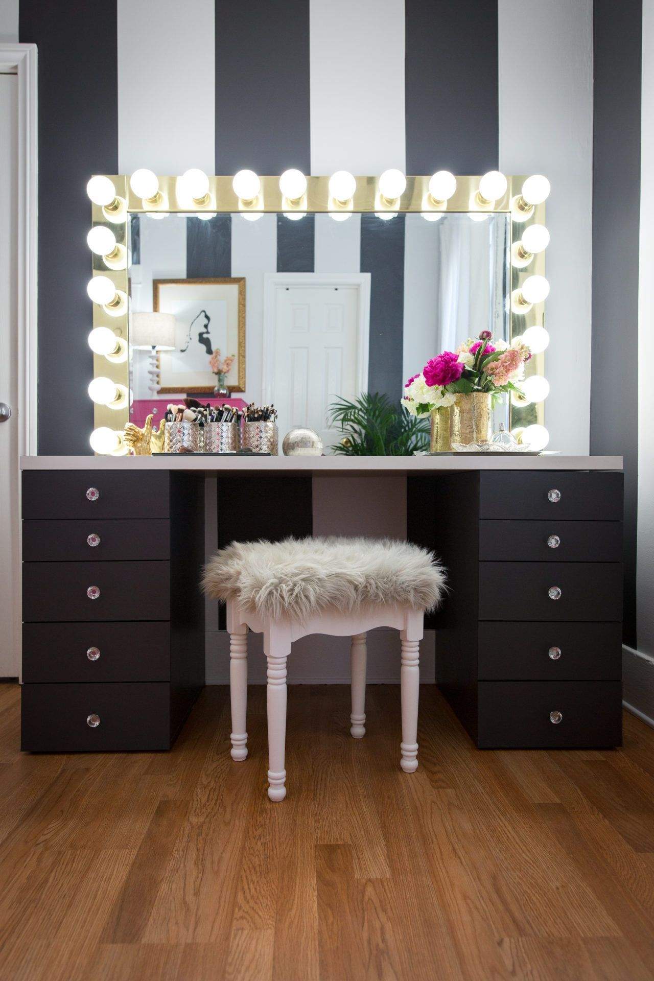 Sketch of Modern Dressing Table with Mirror Vintage and