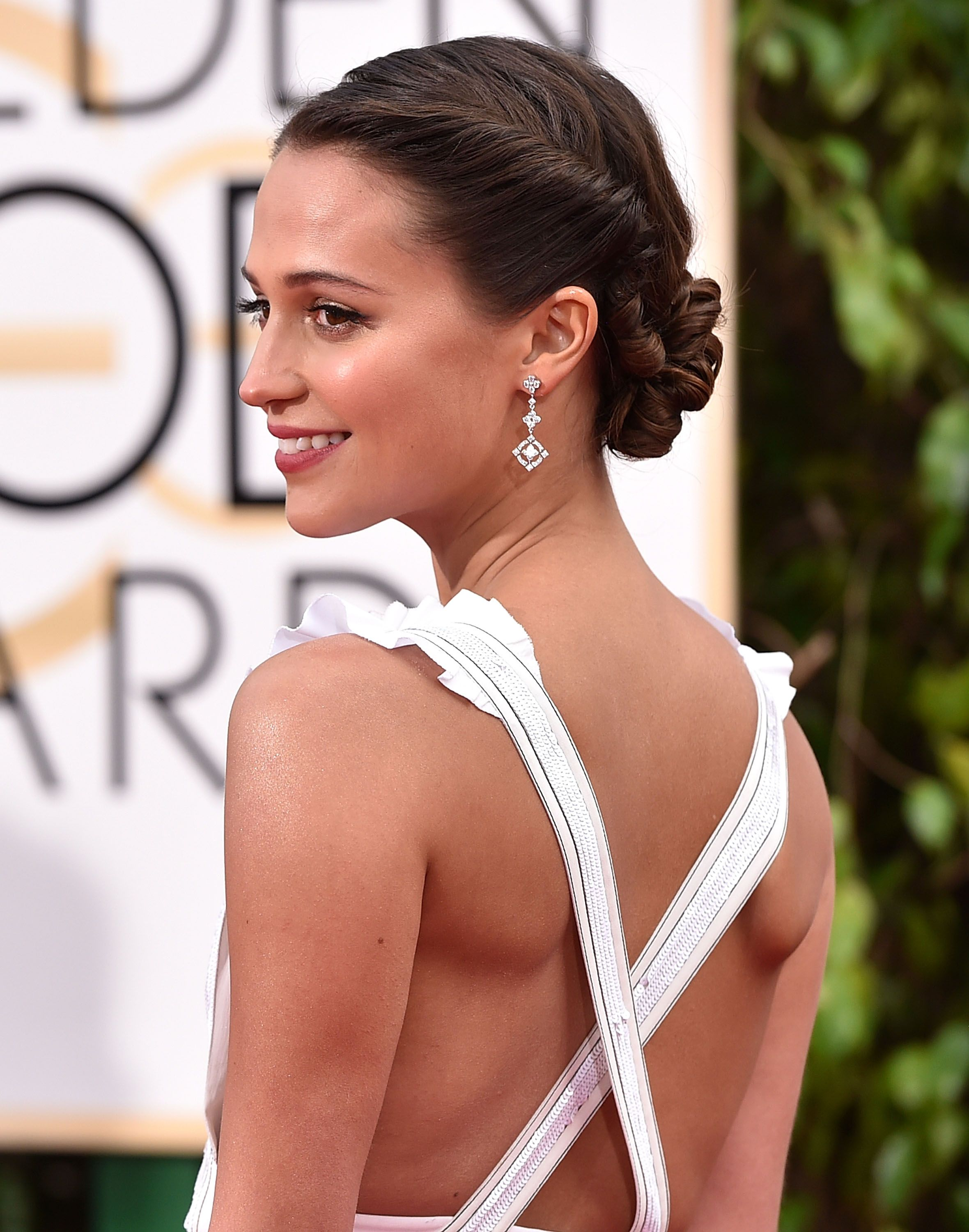 Celebrity bun stalking stars who nail the chicest hairstyle on