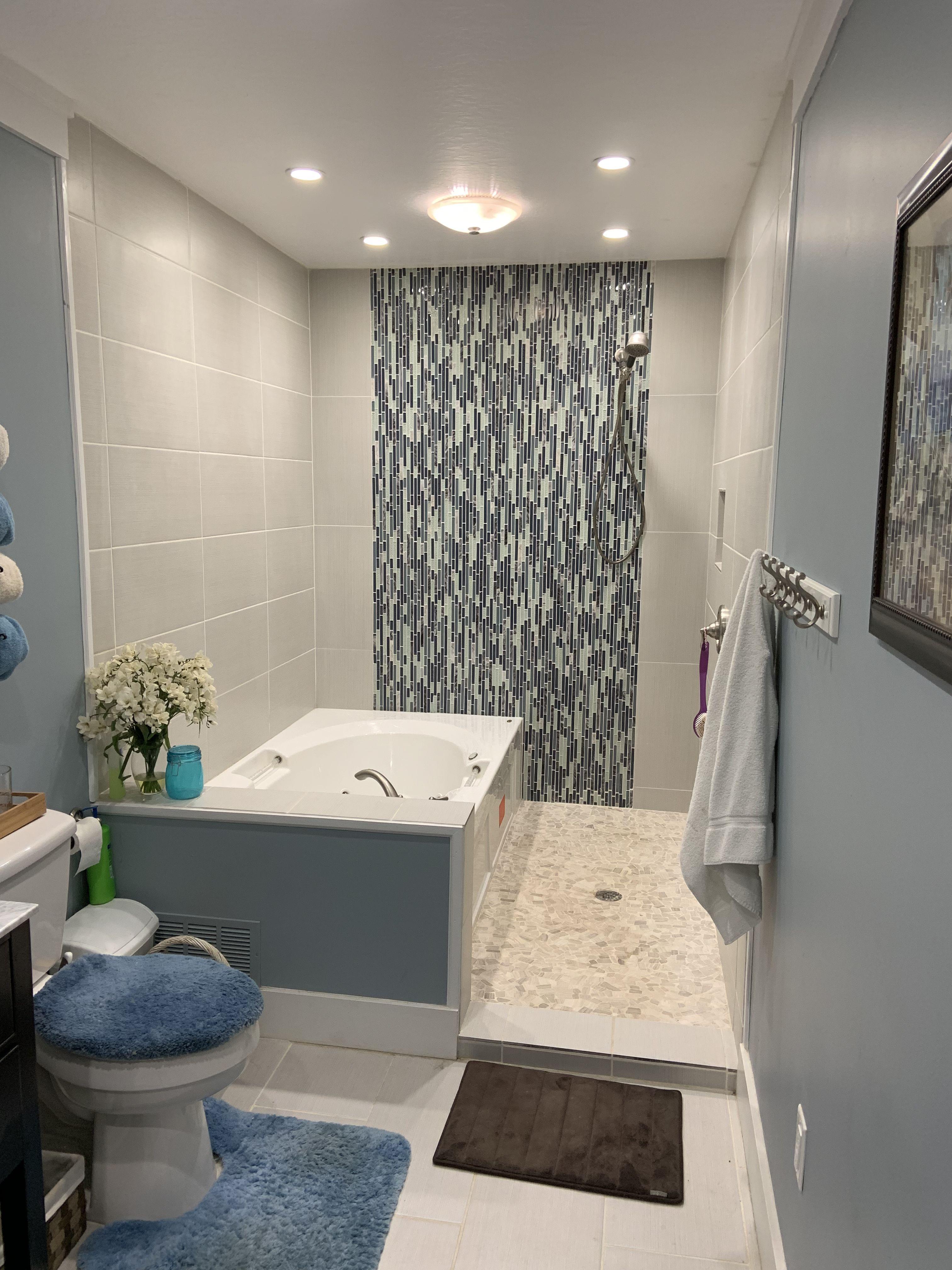 My Shower Jacuzzi Tub Combo Beautifully Tiled The Waterfall Bathroom Masterbathjacuzzitubs Bathroom Design Luxury Bathroom Sink Design Tub Shower Combo