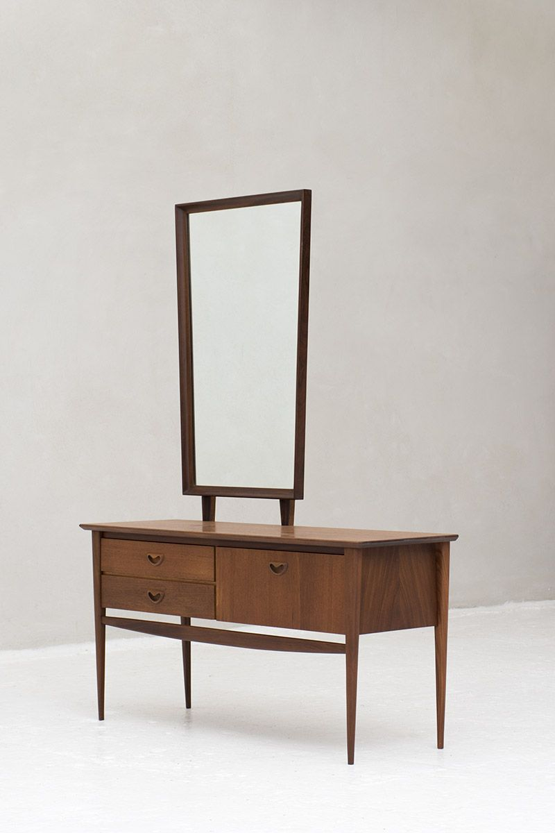 Muebles Bobrick - Dressing Table Nome Furniture Meubels Pinterest Dressing [mjhdah]https://s-media-cache-ak0.pinimg.com/originals/d0/7b/9f/d07b9ffbf5d3ba7ae4ccd2f091fc5715.jpg