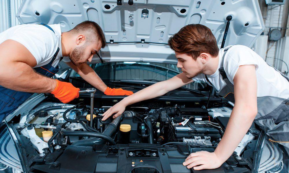 5 Characteristics Of A Competent Automotive Repair Mechanic Bike Repair Automotive Repair Car Mechanic