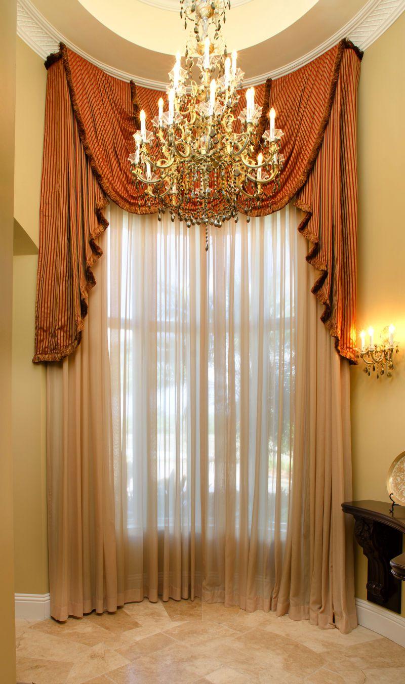 Luxury Window Treatments 4394 Master Foyer Window