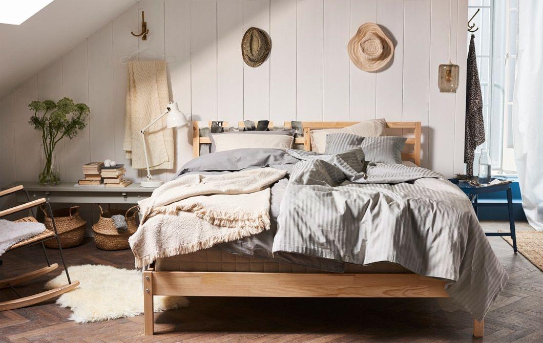 Aménagez Une Chambre à Coucher Moderne Avec Un Cadre De Lit Minimaliste! Le  Cadre De Lit IKEA TARVA, Par Exemple, Tout Simple, En Bois Non Traité Et ...