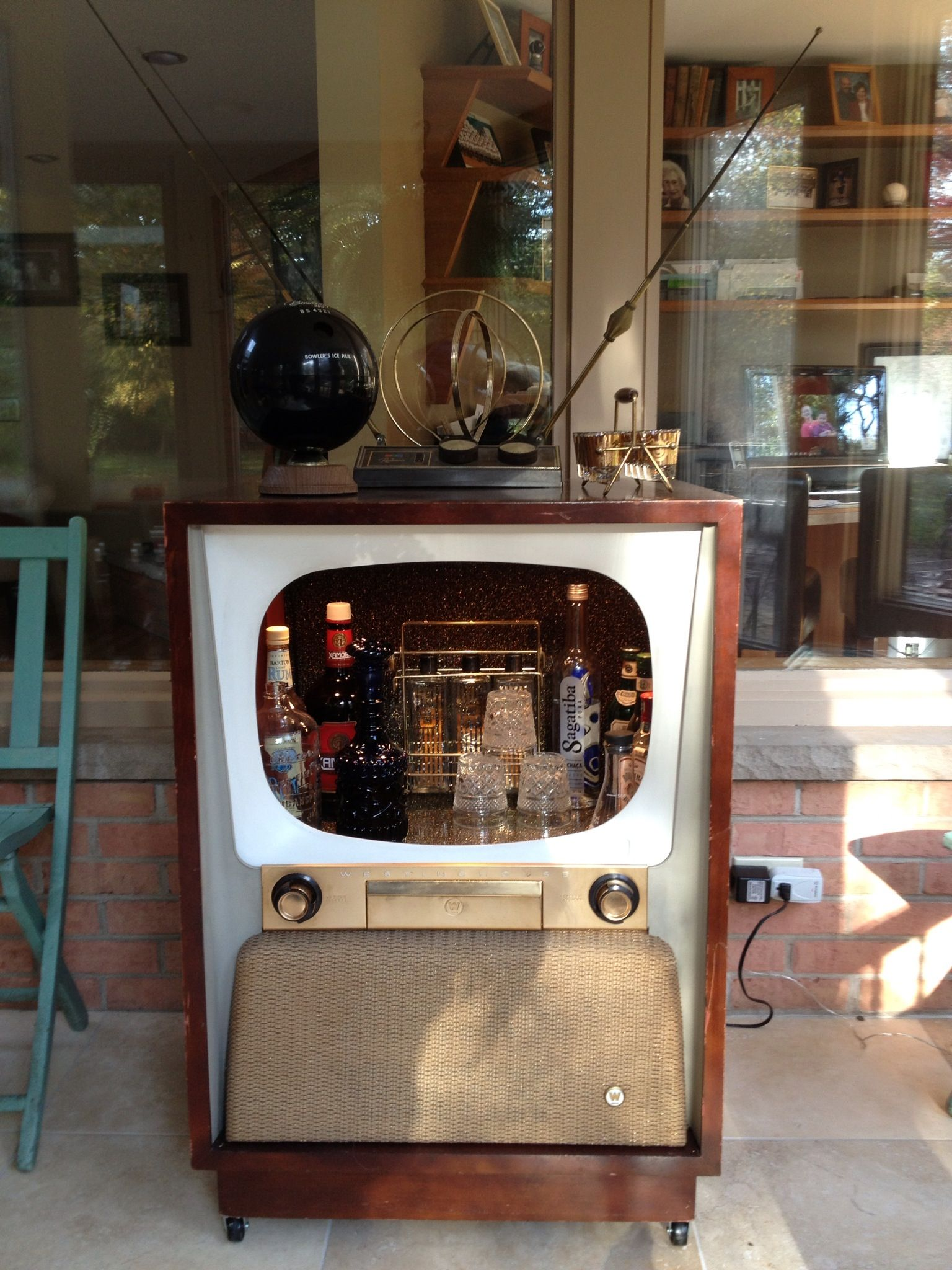 Merveilleux Retro Mini Bar. I Was Thinking G Trailer, But Would Be Super Cool
