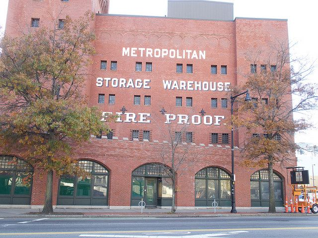 Metropolitan Storage Warehouse Cambma Machusettswarehousesbakeries Cambridgecafes