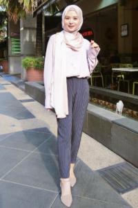 Ikuti 5 Gaya Selebgram Ayana Moon Untuk Baju Lebaran Rasa Korean