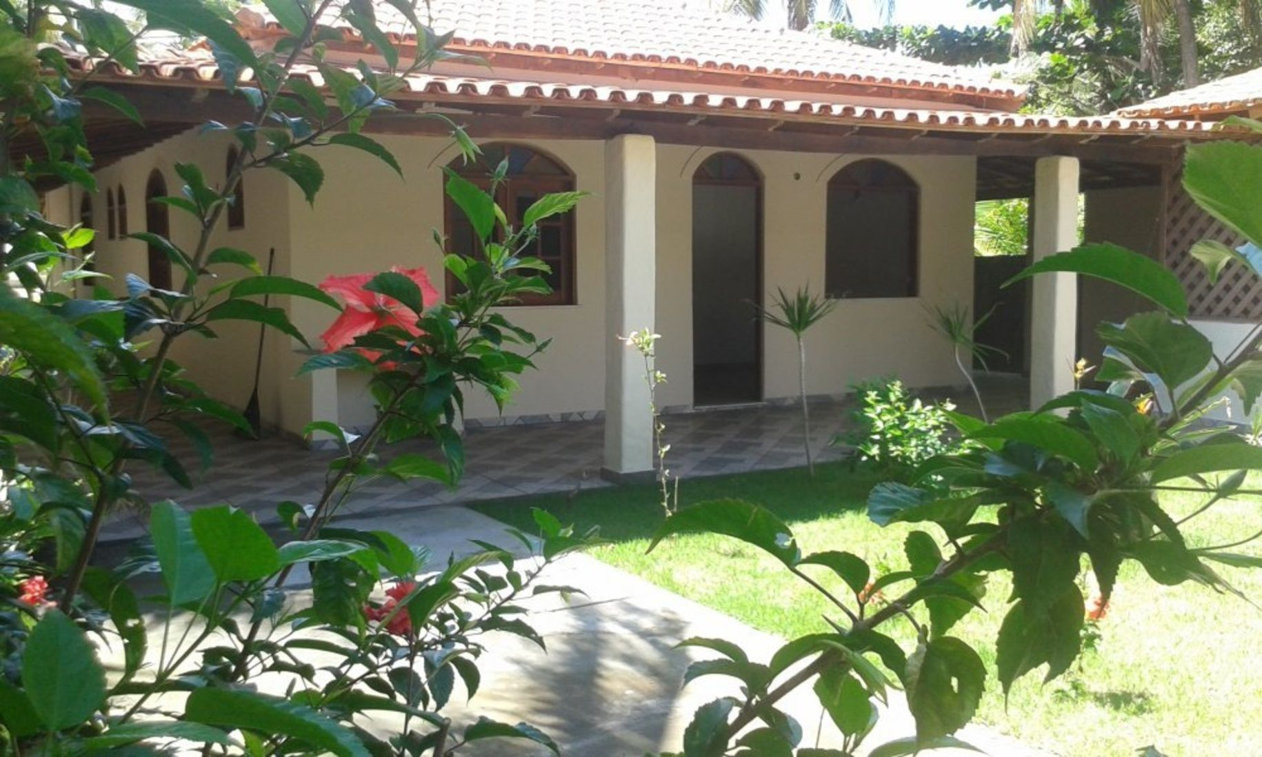 Brasilien Bahia Immobilie In Canavieiras Haus Am Meer Zu Verkaufen Kaufpreis 15 Reduziert Auf 89 000 Euro Brasilien B Outdoor Structures Outdoor Pergola