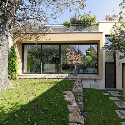 Une maison contemporaine qui s\u0027intègre parfaitement dans la nature