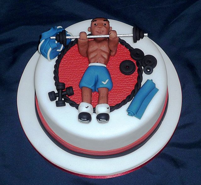 I workout weightlifter birthday cake by Eva Rose Cakes Cakes