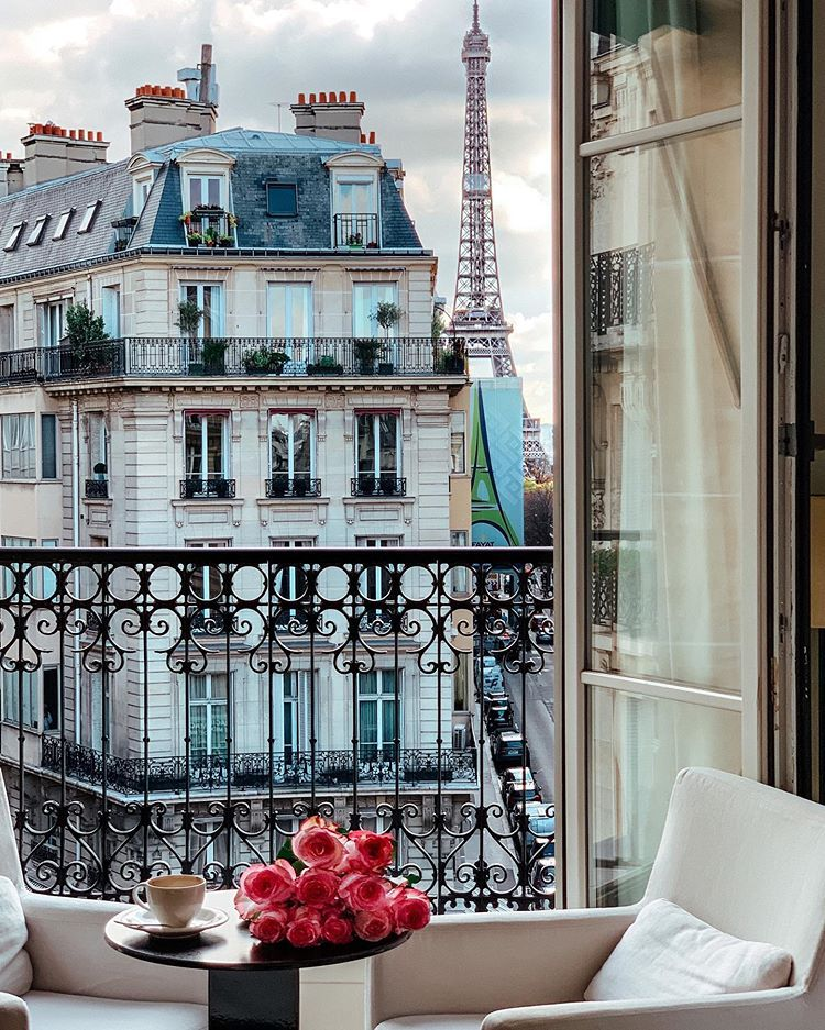 "Ana Linares✨travel + lifestyle on Instagram: ""Room with a view, bonjour! ☕️💕💫 @lemetropolitanparis by @tributeportfolio - head to my stories today to see more! - #LeMetropolitanParis…"""