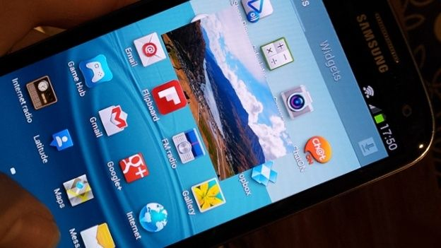 Samsung Galaxy S4 Specs Include Green Pholed Display And 3d Photo Taking Samsung Galaxy S4 Samsung Galaxy Samsung Galaxy S