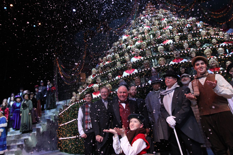 Singing Christmas Tree Portland.Singing Christmas Tree Portland Celebrate The Season