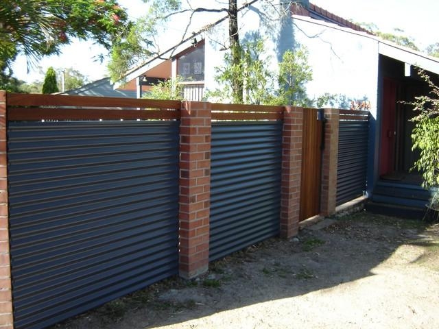 How much does fencing cost per metre? | Fence design ...
