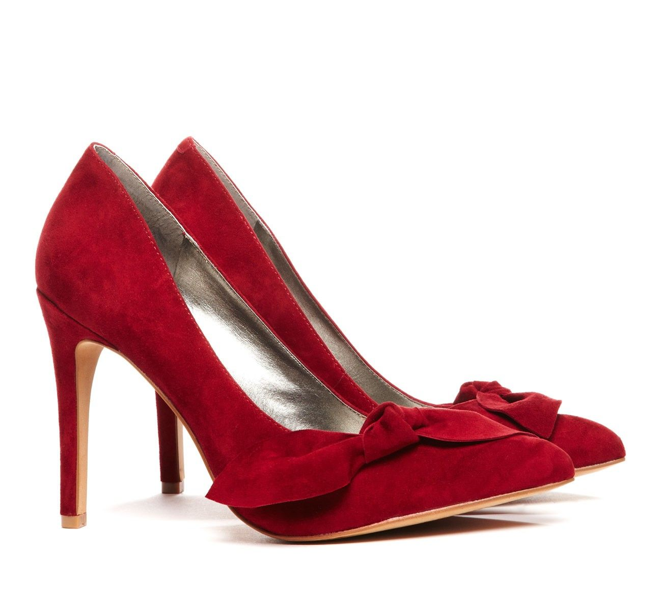 Love The Red And The Bow Fabulous Shoes Fashion Shoes Suede Bow