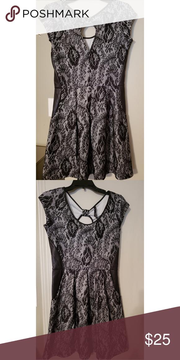 fff783d0de Jessica Simpson midi dress Black flower laced midi dress. Used. Good  condition. Fits true to size. Jessica Simpson Dresses Midi