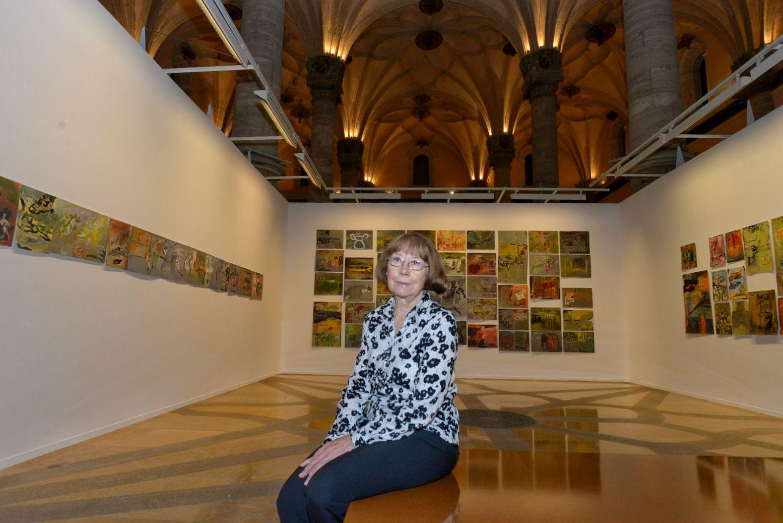 2 Oct 26 Ene Exposición El Vigor De La Duda De Julia Dorado En La Lonja Exposiciones Pintura Acrílica Sobre Lienzo Lonja
