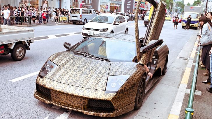Leopard Wrapped Lamborghini in Japan. Tasteful or not? Decide for yourself.
