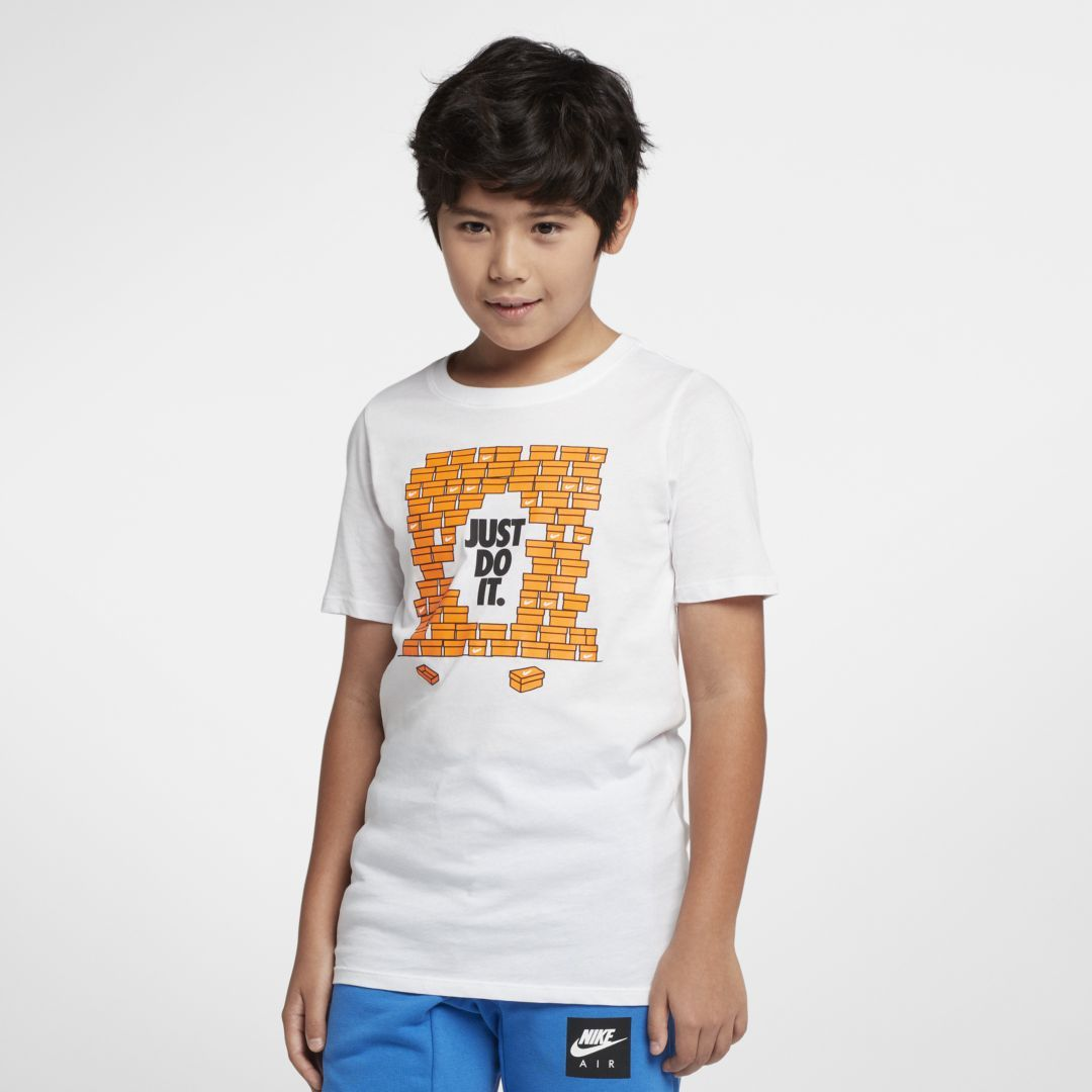 2ecf14e133b Nike Sportswear Big Kids  (Boys ) T-Shirt Size XL (White)