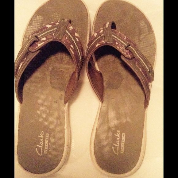 Beige clarks sandals supportive soft size 10 Cute real clarks beige paid $35 great condition Clarks Shoes Sandals