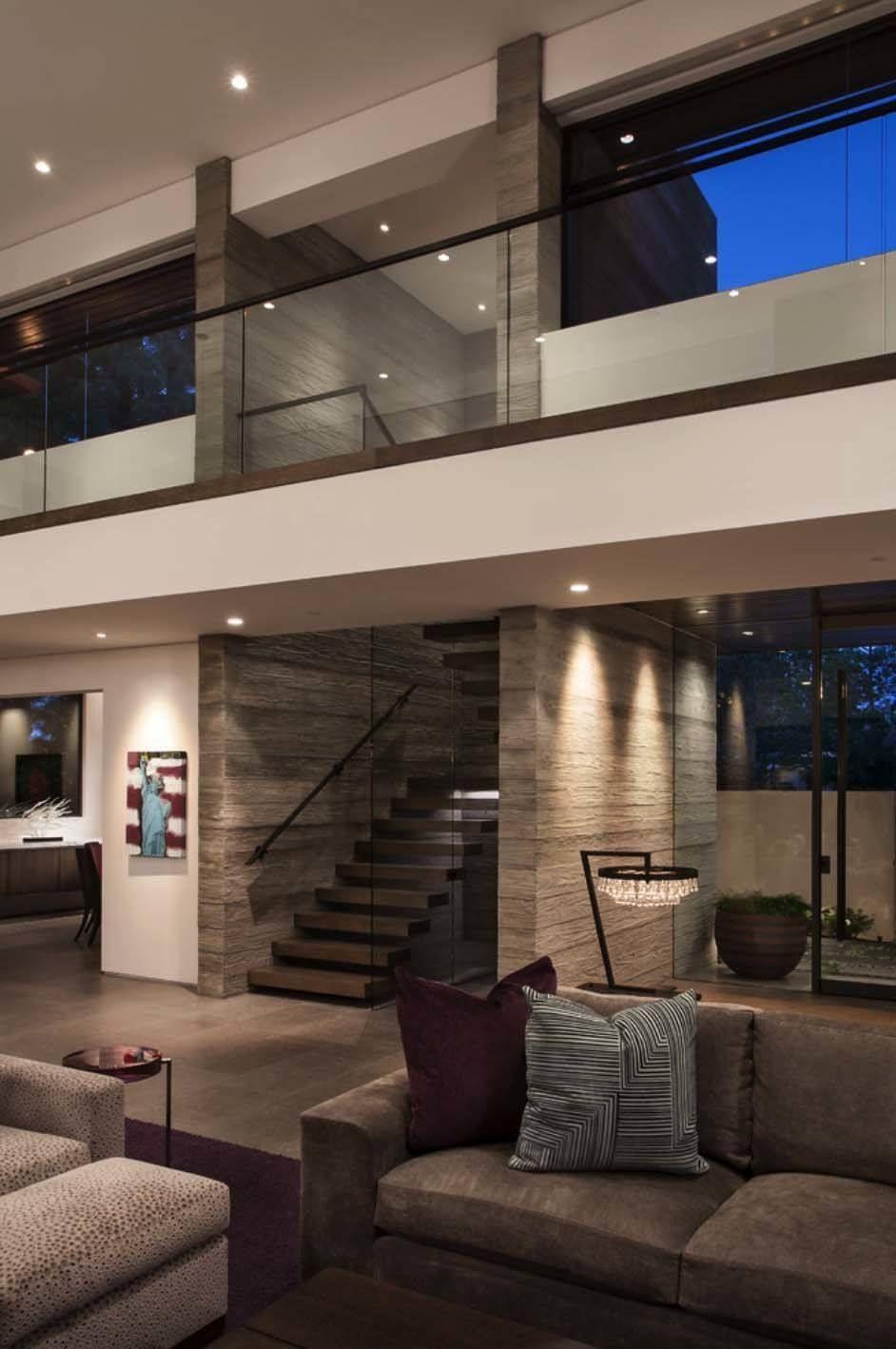Modest Facade Reveals Sumptuous Interiors In Corona Del Mar Modern House Design Modern Houses Interior Contemporary House