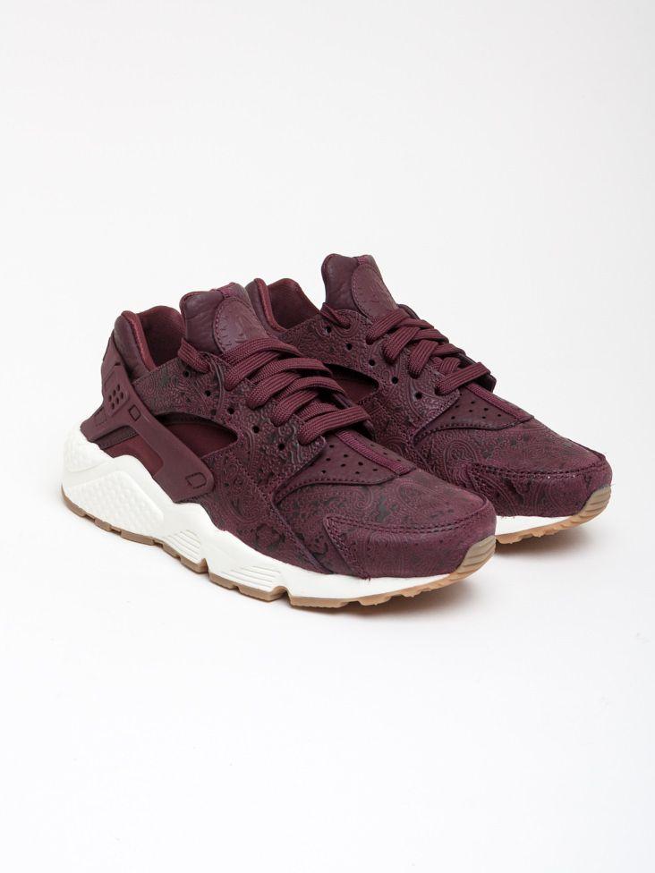 meet 18894 6ee42 Scopri le Sneakers basse Wmns Air Huarache Run Prm Nike Sportswear Donna.  Approfitta delle migliori offerte Streetwear e Sneakers e Acquista Online  su ...
