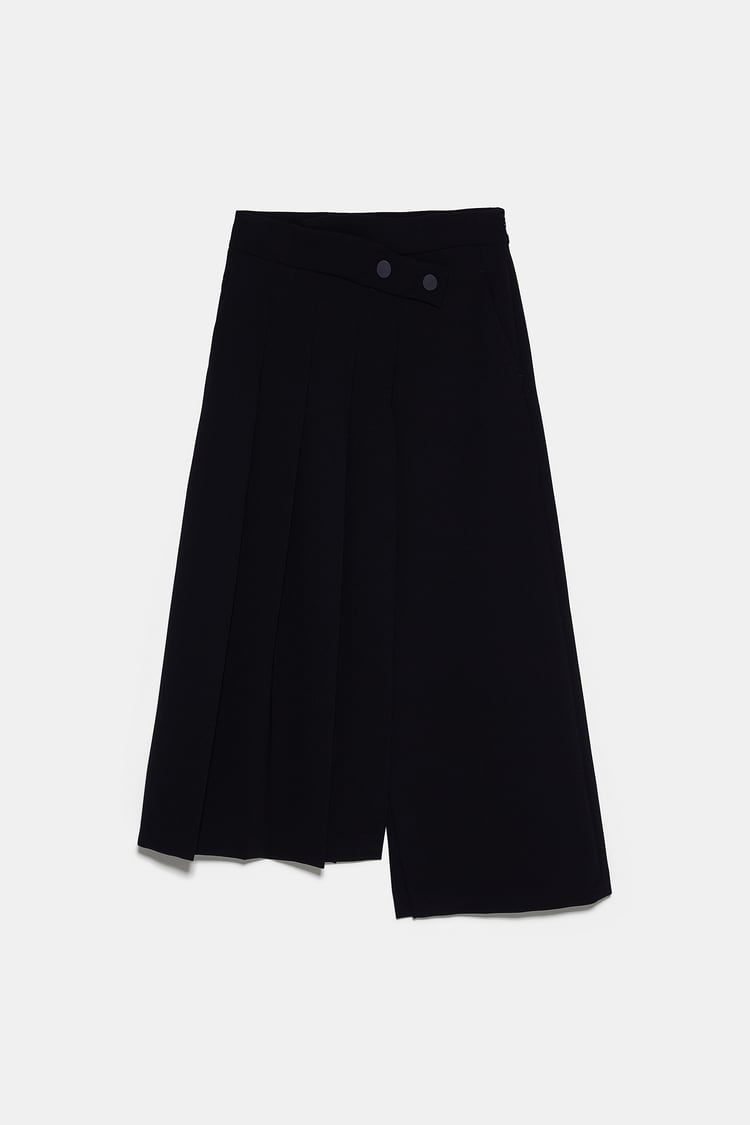 Zara Black Asymmetric Box Pleat Skirt In 2020 Box Pleat Skirt Pleated Skirt Skirts
