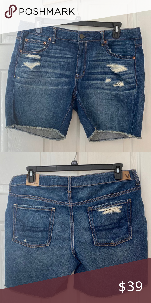 AmericanEagle Darkwash Boyfriend Midi Denim Shorts Brand new with tag (not shown in photo because it's tucked in). Super cute & trendy — fit true to size. American Eagle Outfitters Shorts Jean Shorts
